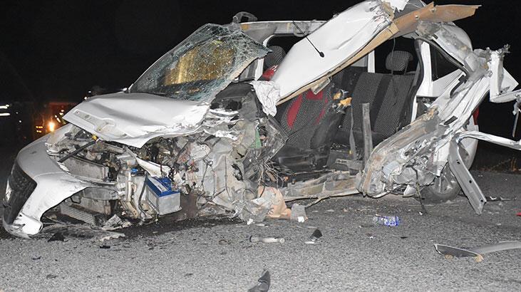 Kars'ta çok feci kaza:  2 ölü, 2 yaralı