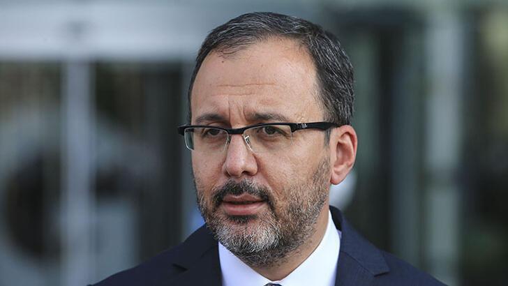 Bakan Kasapoğlu, Berna Gözbaşı'nın locasına yapılan saldırıyı kınadı