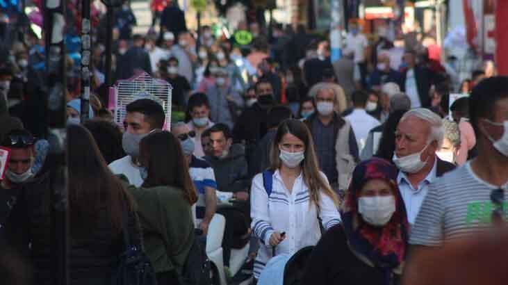 Bulgarlar akın etti cadde doldu taştı! Adım atacak yer kalmadı