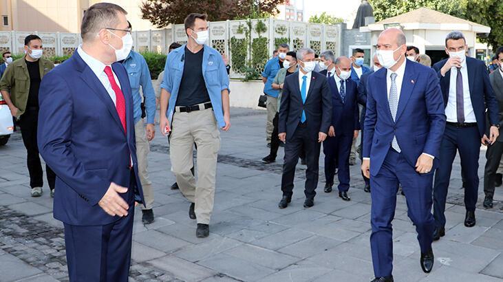 İçişleri Bakanı Süleyman Soylu, Gaziantep'te güvenlik toplantısına  katıldı