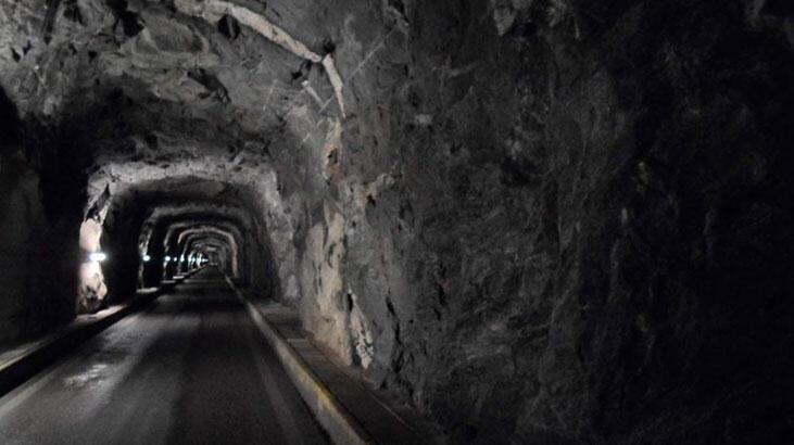 Endonezya'da maden ocağında göçük: 11 ölü