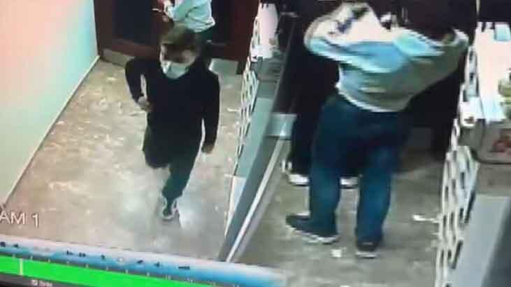 Şifreli kapıyı açan maskeli hırsızlar, ayakkabıları böyle çaldı!