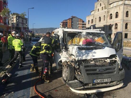 Isparta'da kaza: 3 yaralı