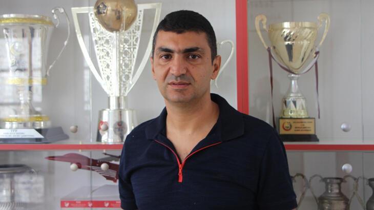 Bandırmaspor'da teknik direktör Serdar Bozkurt'un sözleşmesi feshedildi
