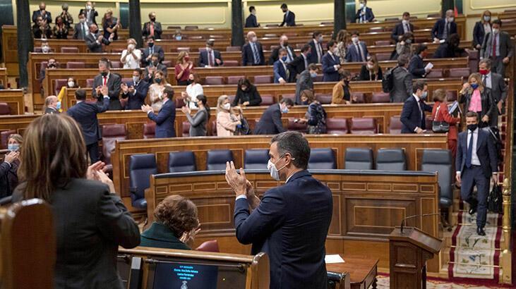 Son dakika... İspanyol meclisi, hükümeti düşürme önergesini reddetti!
