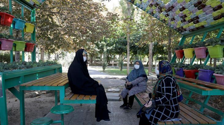 İran'da koronavirüs bir günde 335 can aldı