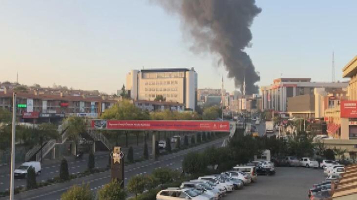 Son dakika.... İstanbul'da fabrikada yangın