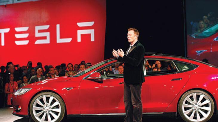 Tesla, tam otomatik sürüş sistemine geçti