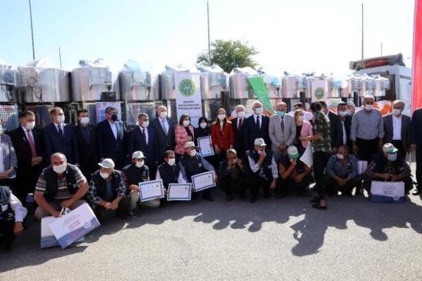 Gaziantep'te 300 litrelik 30 süt tankı desteği
