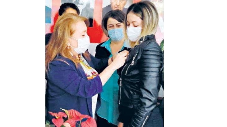 CHP'ye Buca'dan 20 kadın üye
