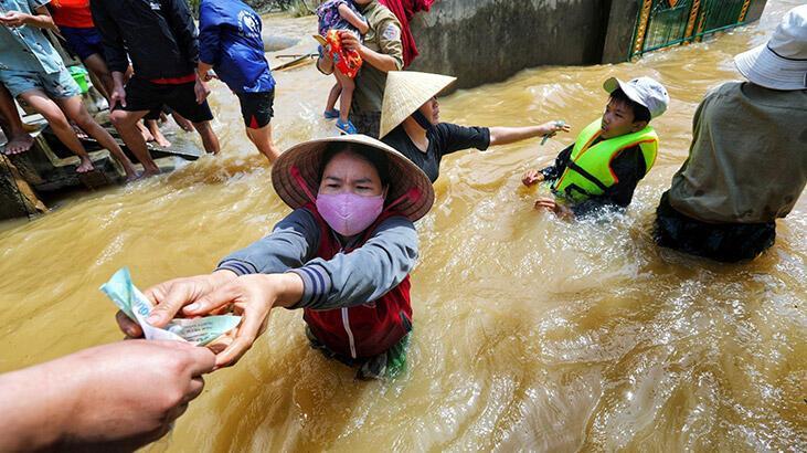 Vietnam'da aşırı yağışların yol açtığı afetlerde ölenlerin sayısı 130'a çıktı