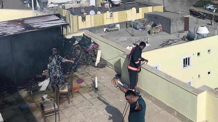 Çatı katında mangal yaparken yangın çıktı!