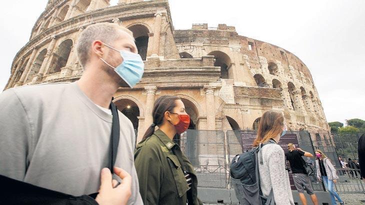 İtalya'da günlük vaka sayısı 20 bini geçti