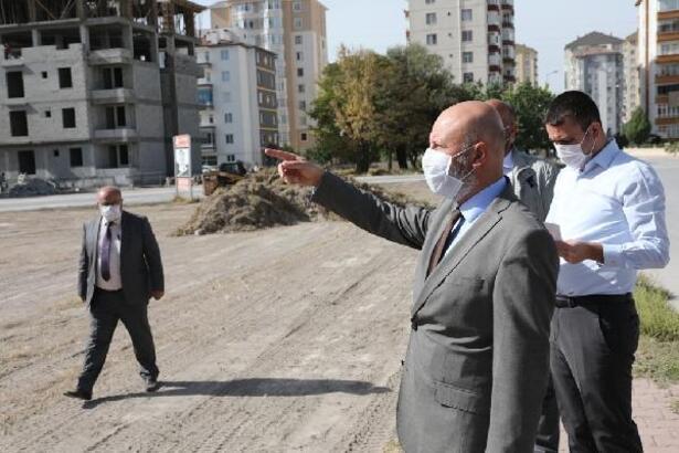 Başkan Çolakbayrakdar, park alanlarında incelemelerde bulundu