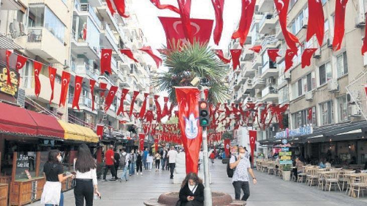 Caddeler kırmızı beyaz