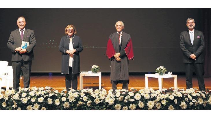 Sabancı Üniversitesi'nden Jan Nahum'a fahri doktora