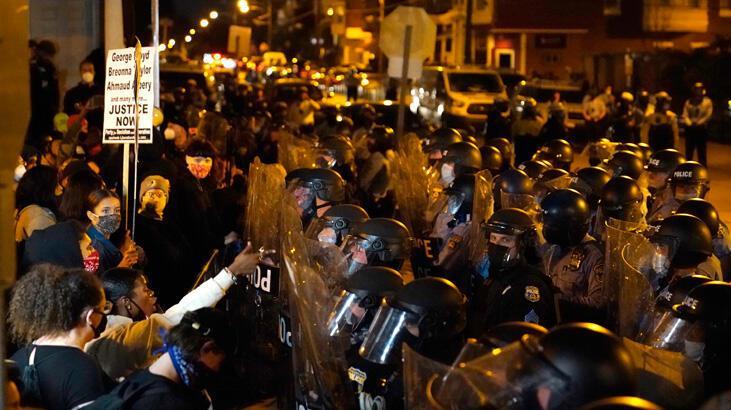 ABD'de protestolar büyüyor, Philadelphia'ya ulusal muhafızlar gönderiliyor