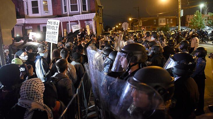 ABD'nin Philadelphia kentinde protestolar nedeniyle sokağa çıkma yasağı ilan edildi!