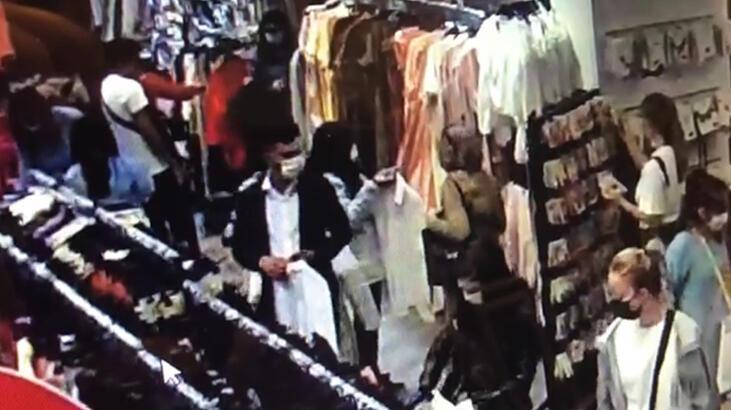 Ataşehir'de kalabalık mağazada hırsızlık