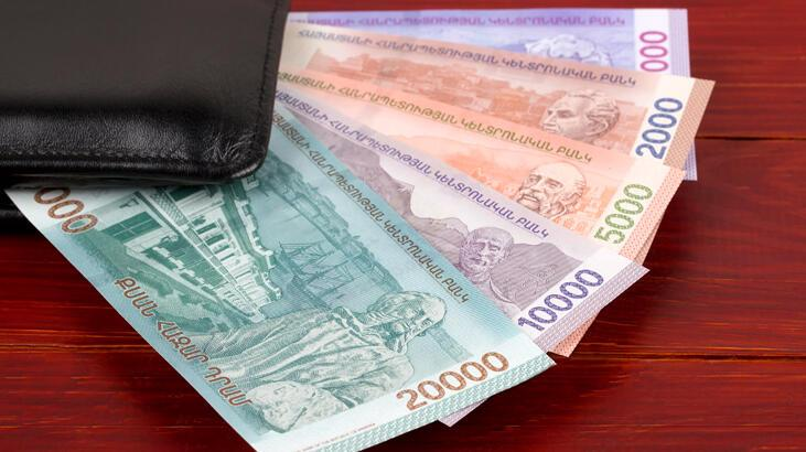 Ermenistan ekonomisi yüzde 13,7 küçüldü