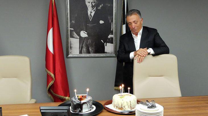 Ahmet Nur Çebi'ye doğum günü kutlaması