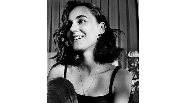 Esma Eser yeni teklisini yayımladı