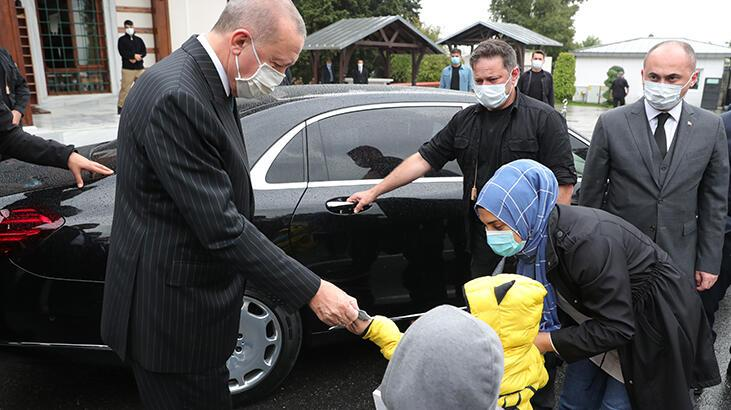 Cumhurbaşkanı Erdoğan cuma namazını Kerem Aydınlar Camisi'nde  kıldı