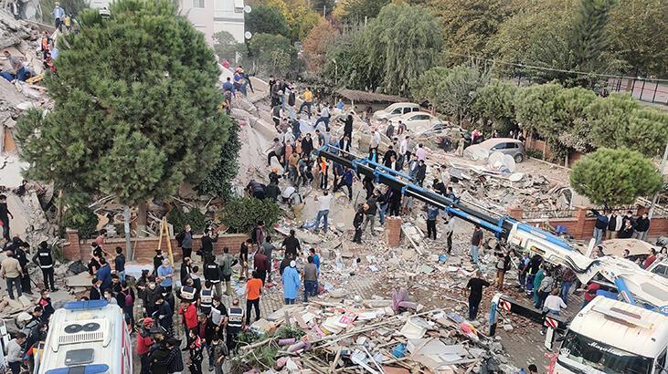 İzmir depreminde yürek yakan olay! Tekerlekli sandalyesi devrildi, boğuldu