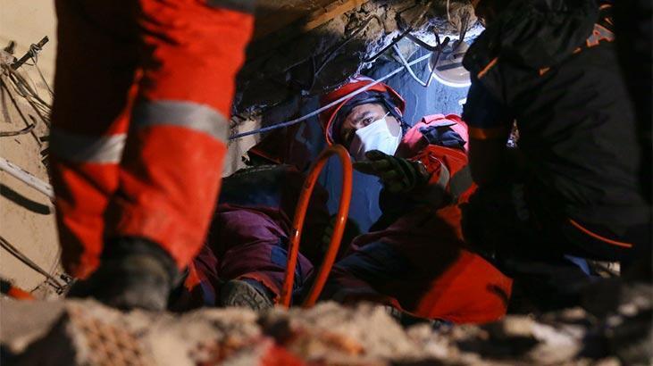 Son dakika: İzmir depreminde 15 saat sonra gelen mucize! Peş peşe güzel haberler geldi
