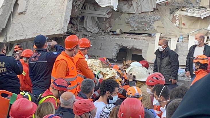 Enkaz altındaki Nurcan Tosun, 17 saat sonra yaralı kurtarıldı