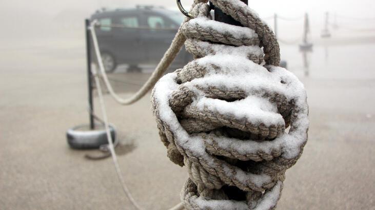 Bolu ve Uludağ'a mevsimin ilk karı düştü