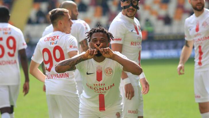 Antalyaspor'da Fredy sevinci