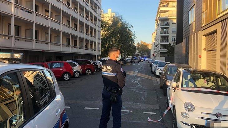 Son dakika...  Fransa'da kiliseye saldırı! Papazı vuran saldırgan kaçtı
