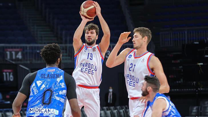 Anadolu Efes - Büyükçekmece Basketbol: 98-79