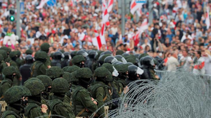 Belarus'ta kitlesel gözaltılar