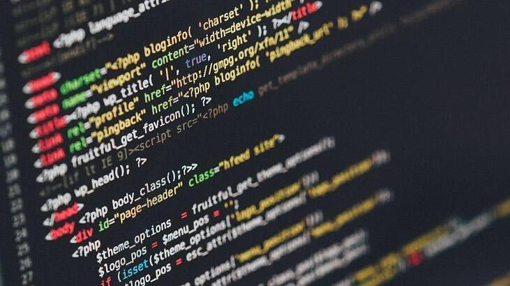 Yazılım Uzmanı Nedir, Nasıl Olunur? Yazılım Uzmanlığı Mezunu Ne İş Yapar?