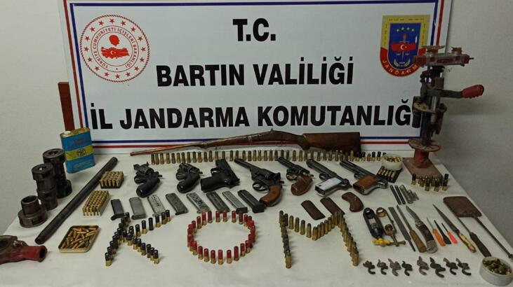 Bartın'da ruhsatsız silahlar ele geçirildi!