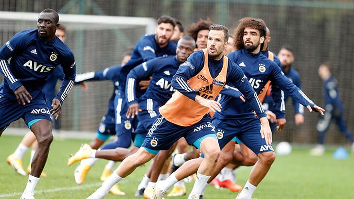 Son dakika - Fenerbahçe'de Sosa kadrodan çıktı! İşte muhtemel 11...