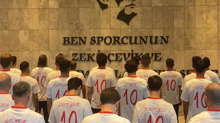 A Milli Futbol Takımı, Büyük Önder Atatürk'ü andı