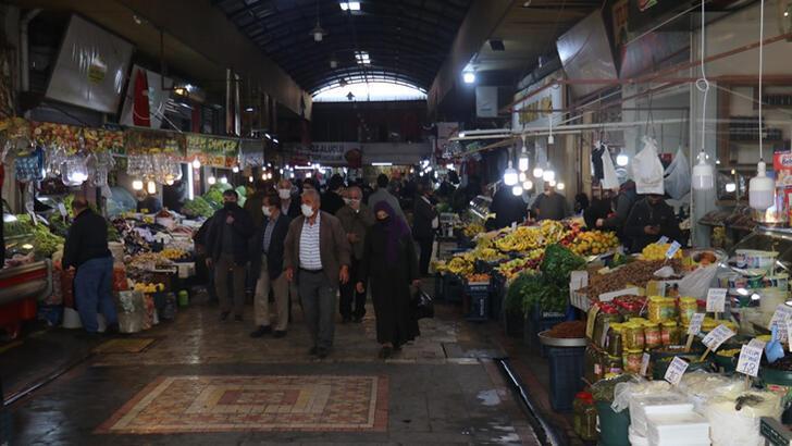 Tarladan seraya geçiş nedeniyle sebze fiyatları yükseldi