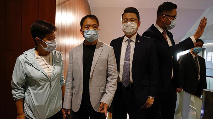 Çin: Hong Kong'daki toplu istifa Pekin'e meydan okuma