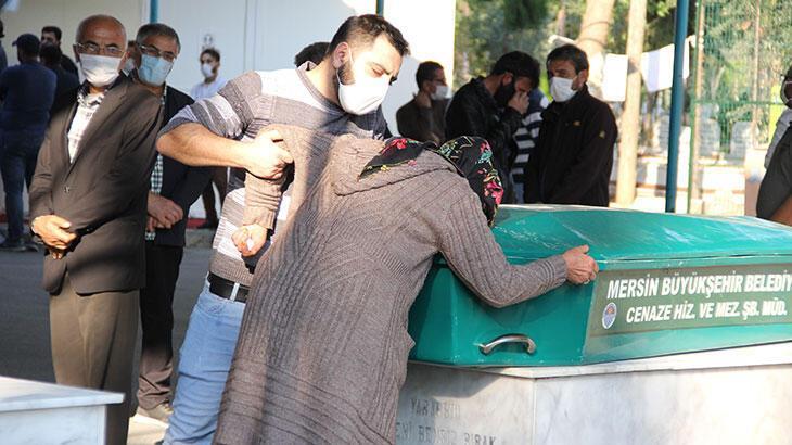 Tekne faciası kurbanları Mersin'de toprağa verildi