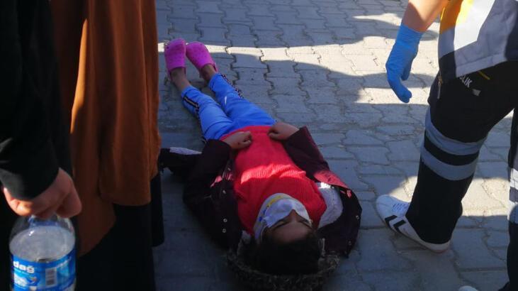 Minik kız dehşeti yaşadı! Pazar yolunda otomobil çarptı