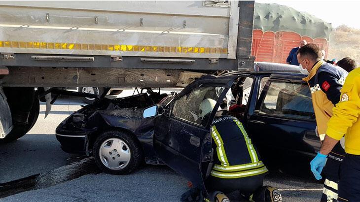 Burdur'da otomobil ile TIR çarpıştı: 1 ölü