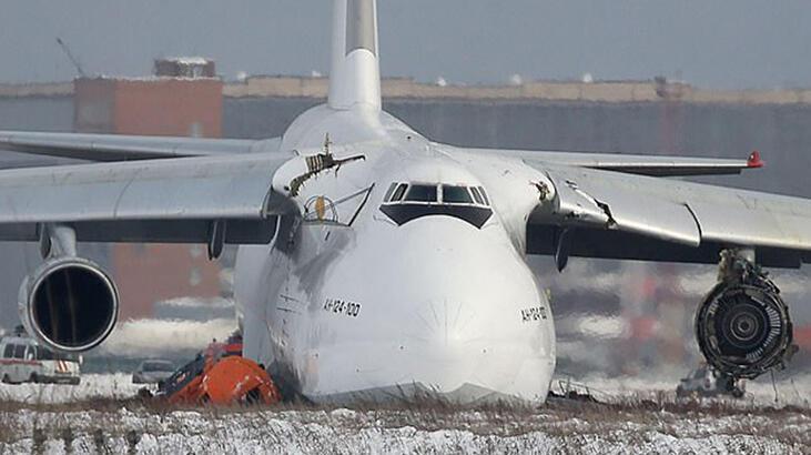Rusya'da kargo uçağı acil iniş yaptı