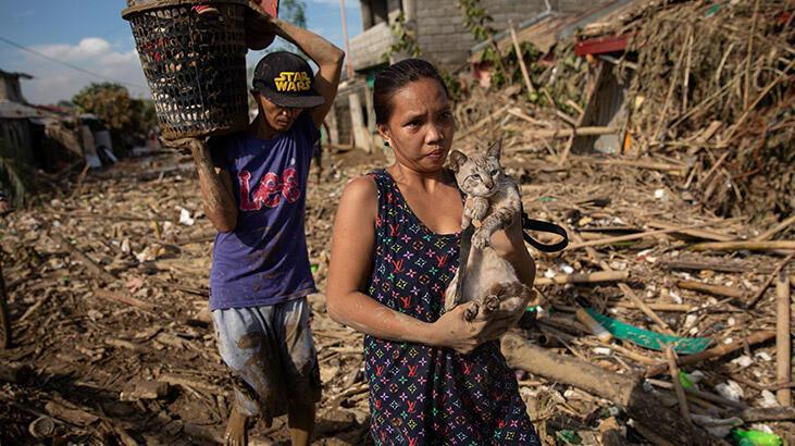 Vamco Tayfunu Filipinler'i vurdu, Vietnam'da tahliyeler başladı!