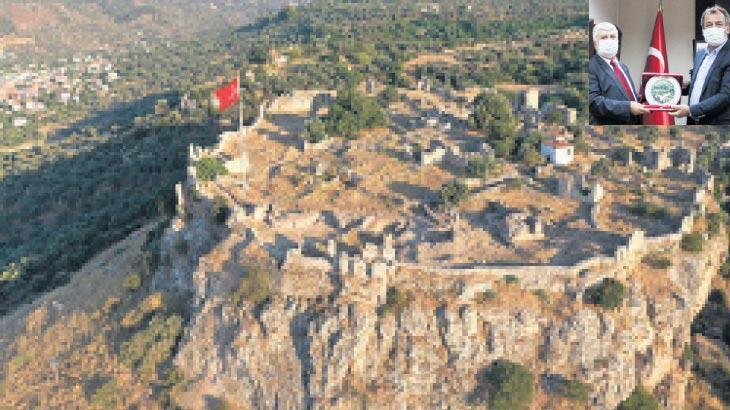 Beçin Kalesi'ndeki evlere restorasyon