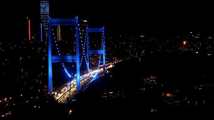 İstanbul'daki köprüler maviyle aydınlatıldı! Nedeni ise...