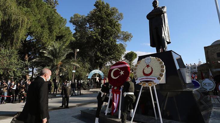KKTC'de Atatürk Anıtı'nda tören! Erdoğan ve Tatar özel defteri imzaladı