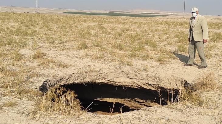 Konya'da, 15 metre derinliğinde obruk oluştu